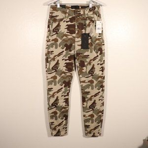 NWT Kendall & Kylie Camo Jeans